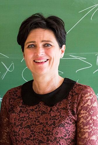 – Bruk av penn og papir gir hjernen flere knagger for å huske, sier Audrey van der Meer, professor i nevropsykologi.