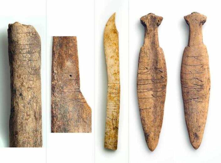 Bein med runeinnskrifter, funnet i avfallsdyngene på Sumtangen. (Foto: S. Skare, Universitetsmuseet i Bergen)
