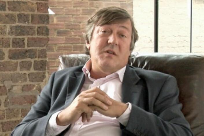 Stephen Fry er blant komikerne som nevnes i rapporten. Han har snakket åpent om mentale problemer og selvmordsforsøk. (Foto: Wikimedia Commons)