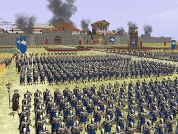 Rome: Total War er et populært strategispill der spilleren deltar i historisk fiktive kamper fra de siste århundrene før Kristi fødsel. (Foto: (Skjermdump fra spillet))