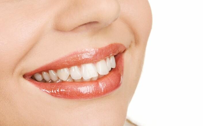 Det nyeste i tannpastaen nå er 3D-effekt. Det gir deg neppe så hvite tenner som dette. (Illustrasjonsfoto: Colourbox)