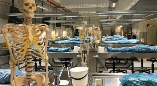 Legestudenter må ha døde kropper for å lære yrket. 900 trøndere har meldt seg