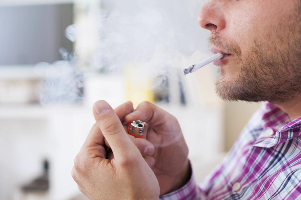Forskerne ved NTNU kan sammen med britiske forskere tilbakevise at røykere er beskyttet fra alvorlig covid-19 og sykehusinnleggelse.  De finner tvert imot en klar og tydelig sammenheng.