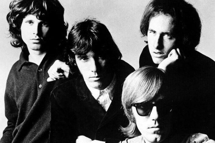 Jim Morrison (helt til høyre) var frontfigur i The Doors, og kalte seg «The Lizard King» (Foto: Wikimedia commons)