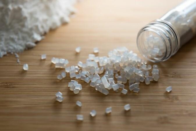 Biobasert og biologisk nedbrytbar plast er ikke tryggere enn annen plast.
