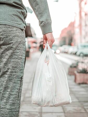 Menneskenes forbruk av plast er enormt, og det er ikke sikkert at bioplast er noen god løsning.