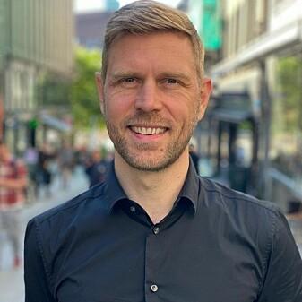 """Psykologspesialist Jan-Ole Hesselberg kjenner ASMR-kriblinga selv nå og da. Hos han trigges ikke fenomenet av YouTube-videoer, men derimot mer hverdagslige inntrykk, som mennesker med """"hakk i plata"""" - altså repeterende adferd."""