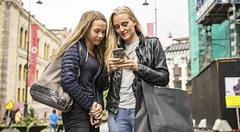 De fleste unge følger nyheter i sosiale medier