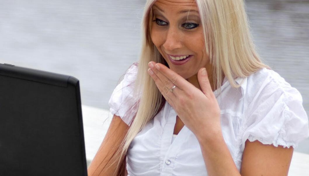 Kvinner kan bli så oppslukt av porno at hjernen bare fokuserer på opphisselsen og ikke tar inn andre stimuli. www.colourbox.com