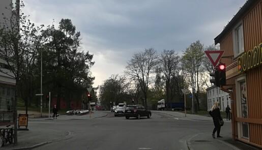 I krysset mellom Klostergata og Vollabakken er det lite trafikk.