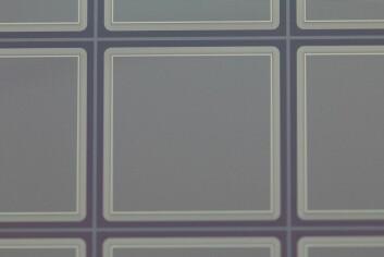 De aktive elementene er preget ned i silisiumskiven i et rutemønster. Til sammen har sensoren over 65 000 aktive elementer. (Foto: (Illustrasjon: Sintef))