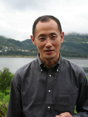 """""""Professor Shinya Yamanaka puster lettet ut. De oppsiktsvekkende resultatene fra sommeren 2006 ser ut til å holde vann. (Foto: Kristin S. Grønli)"""""""