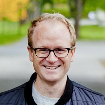 Søvnforsker Håvard Kallestad ved NTNU og St. Olavs Hospital skal teste ut nettbasert søvnterapi kan gi psykisk syke bedring av sykdommen.