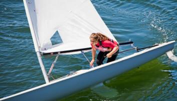 Svenske seilere skader knærne på land