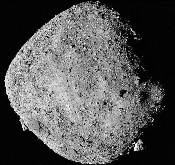 Bennus meget steinete og ulendte overflate, sett av OSRIS-REx.