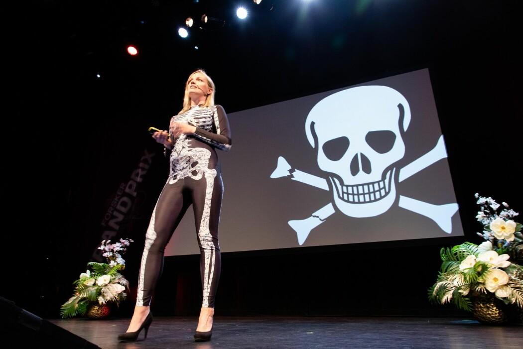 Annette Vogt Flatby er fysioterapeut og doktorgradsstipendiat ved OsloMet. Hun forsker på hvor farlig det er å være benskjør.