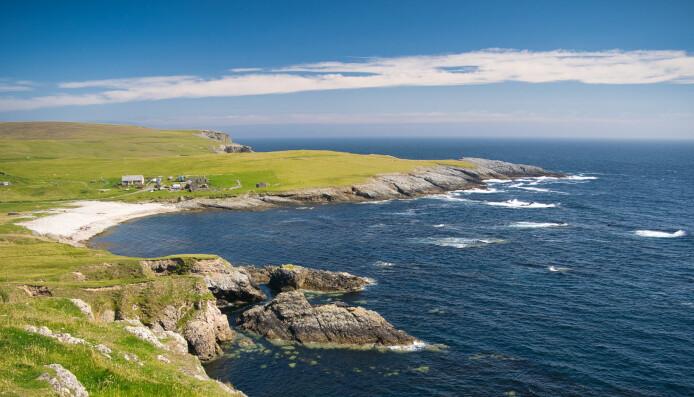 Shetland er i dag en liten øygruppe. Shetland-landet som fantes for ikke så lenge siden, var veldig mye større. Store elver fra det indre av Shetland-landet veltet ut i Nordsjøen og møtte breisen og smeltevannet fra Norge.