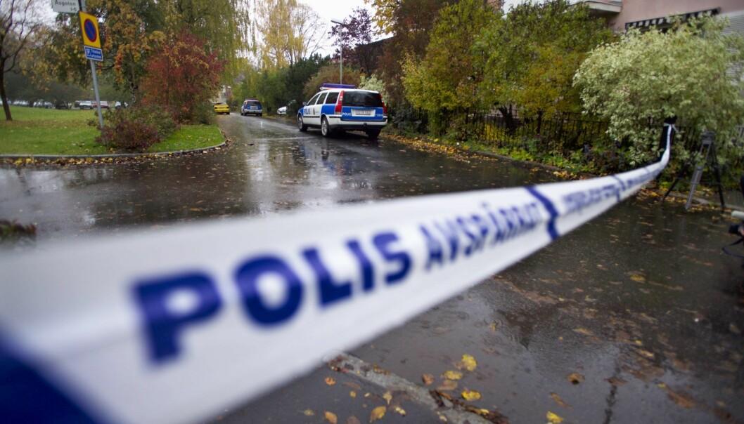 En åtte år gammel gutt ble en tirsdag morgen knivdrept på åpen gate i den svenske byen Linköping i 2004. En kvinne i midten av 50-årene ble funnet hardt skadd like ved. Etter 16 år ble en tidligere ustraffet mann pågrepet i sommer, som følge av DNA-funn i slektsgransknings-databaser.