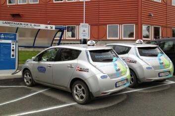 Sintef har testet fem Nissan Leaf elbiler i samarbeid med Trøndertaxi. (Foto: Green Highway)