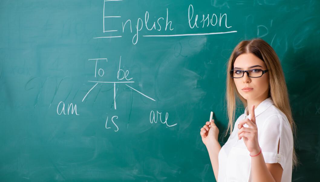 Lærere bør la elever øve mer på engelsk sammen to og to, mener en svensk forsker. Mange synes det er skummelt å snakke engelsk foran hele klassen.