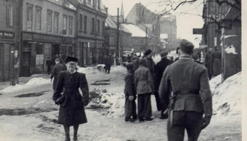 Ørnulf Andresen har forsket på virkningene nazifiseringen under andre verdenskrig hadde på samfunnslivet. Her fra Tromsø 1942/1943.