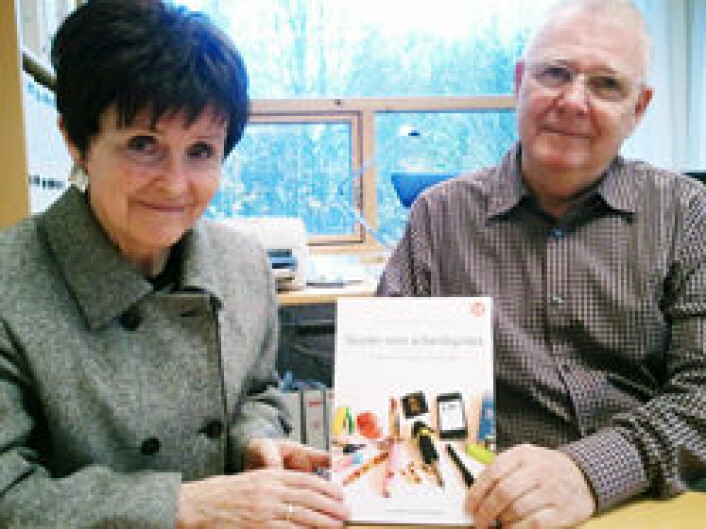 - Vi mener også at vi må få tilbake den profesjonelle læreren med handlingsrom og autonomi, sier Einar og Sidsel Skaalvik, begge seniorforskere ved NTNU Samfunnsforskning. (Foto: NTNU Samfunnsforskning AS)