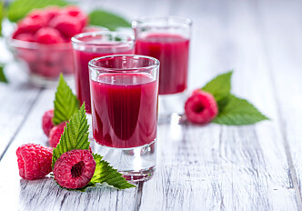 Raspberry shots can give older people a better diet
