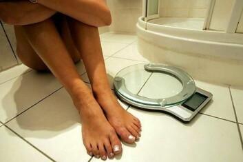 Forskerne ved universitetet i Cambridge mener at resultatene kan være med og bidra til nye behandlingsmåter av mennesker med anoreksi. (Illustrasjonsfoto: www.colourbox.no)