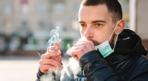 Nå skal nordiske forskere se nærmere på om røykere virkelig blir sjeldnere korona-syke