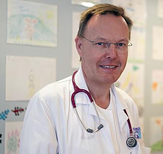 – Det vil være bra om det i innføres systematisk nevropsykologisk testing også etter fylte 18 år, sier overlege Einar Stensvold ved Oslo universitetssykehus.