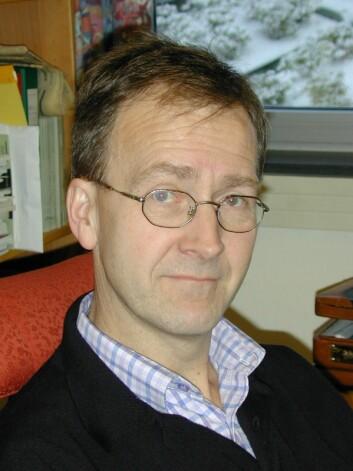 Svein Ulset er en av NHH-forskerne som studerer Telenor sitt indiske datterselskap, Uninor, sin strategi.