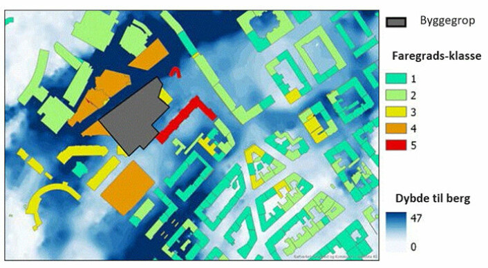 This mapping tool, developed by NGI, shows the vulnerability of buildings in connection with a construction project. The grey area is a construction pit, and the colours grade the danger - red being in the most danger of settlement damage.