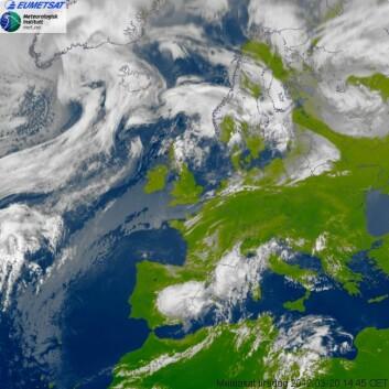 Bilde av været i Europa tatt av dagens Meteosat-satellitter kl 14.45, 20. mars 2012. (Foto: Eumetsat/Met.no)