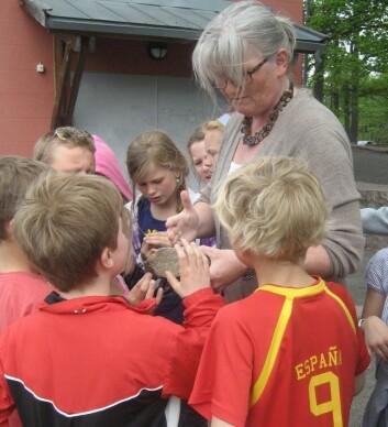 Lærer Anne Cathrine Hammerborg har prøvd ut undervisningsopplegget til Merethe Frøyland på flere klasser ved Berger skole på Nesodden. (Foto: Annette Tingstad)