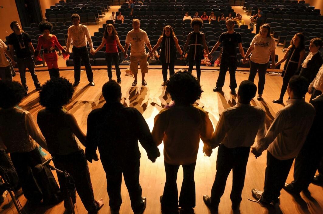 Sang, musikk, dans og annen kunst- og kulturaktivitet virker direkte inn på kroppens fysiologi og har effekt på hjernen.