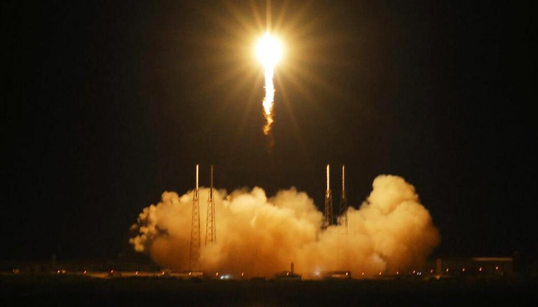 Falcon-kapselen ble sendt opp til Den internasjonale romstasjonen første gang 22. mai 2012. Dette var en testflukt, og lasten var ikke uunnværlig for romstasjonen. Mandag 8. oktober er det alvor. NASA