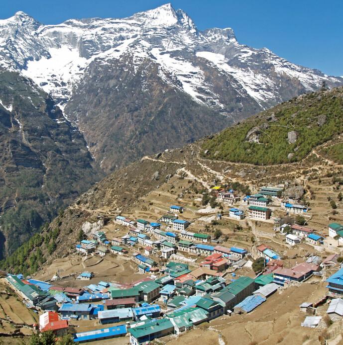 Namche Bazaar i Tibet, som ligger på rundt 3400 meter. Kan denisovanerne ha bidratt til genene til folkene som lever her?