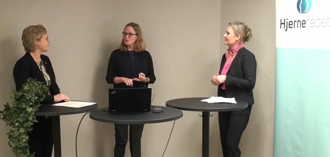 Følelser, psykiske plager, hjernesykdommer: Alt skjer i hjernen. Det var hovedbudskapet da Hanne Harboe (t.v.) snakket med nevropsykolog Marianne Løvstad (midten) og nevrolog Jeanette Koht (t.h.).