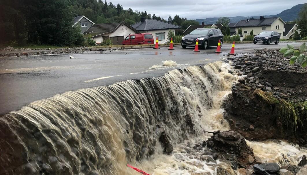 Flom i Brumunddal etter store nedbørsmengder i august 2019.