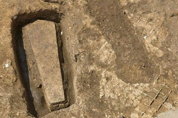 Denne steinkisten ble funnet samtidig som arkeologer fant kong Richard III. (Foto: University of Leicester)