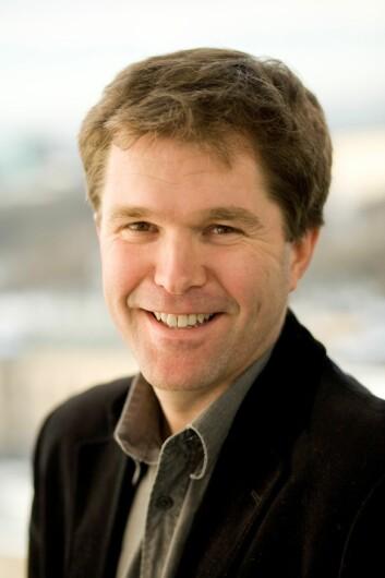 Internett gir nye muligheter for smitteoppsporing, mener divisjonsdirektør John-Arne Røttingen ved Folkehelseinstituttet. (Foto: UiO)