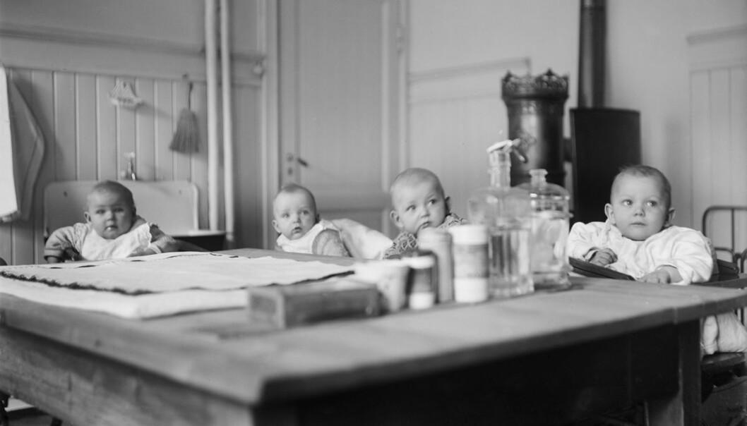 Tøyenkirken barnekrybbe 1930: Barnekrybbene var for de minste barna.