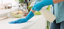Slik bør du vaske kjøkkenbenken