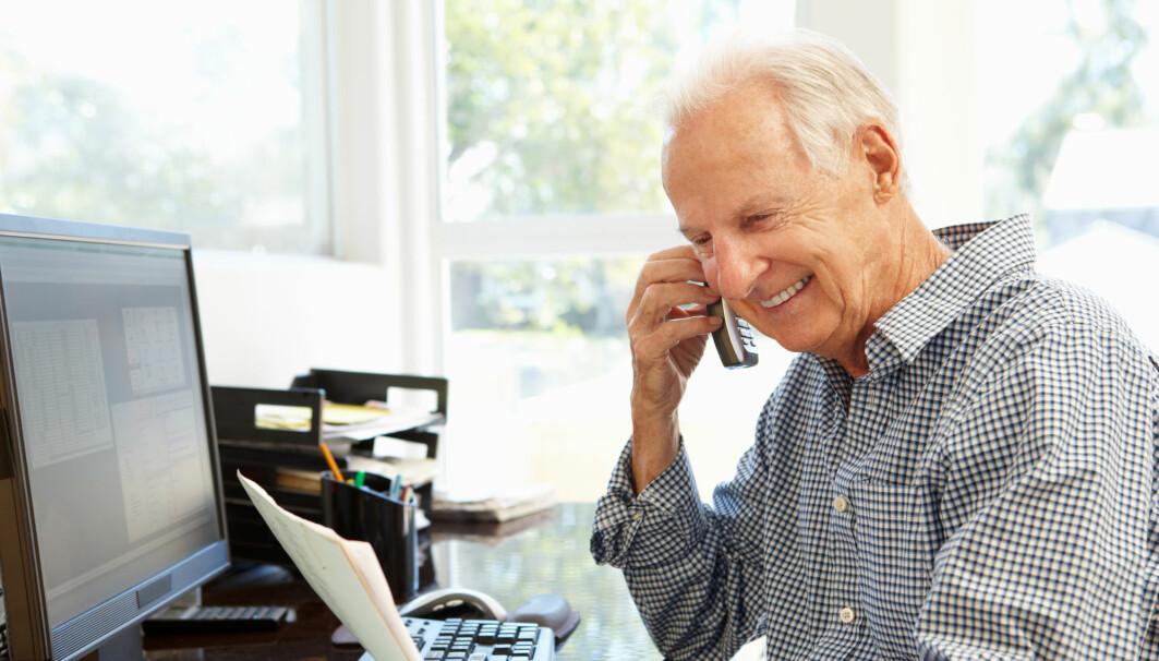 – Har du et stabilt grunnlag, tåler du å sitte en stund på hjemmekontor. Det er større grunn til å bekymre seg for de yngste som kunne trenge mer veiledning og råd fra eldre kolleger, mener forsker.