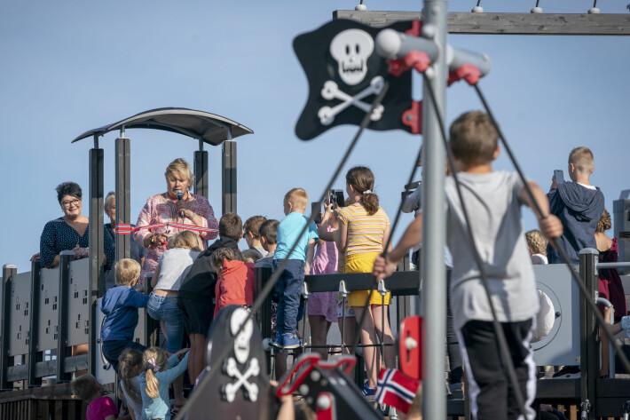 Rogaland og Vestlandet har høyest fruktbarhet. Her er statsminister Erna Solberg på besøk i Troll-Myra barnehage i Fosnavåg.