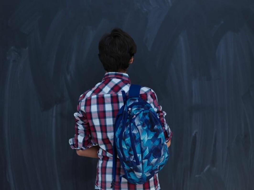 Barn som lever i krig og konflikt presterer dårligere på skolen enn andre. For noen blir problemene vedvarende.