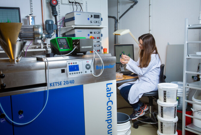 Ekstruderen kan brukes til både tørr- og våtekstrudering. Forsker Catia Saldanha do Carmo har kartlagt effekter ved begge teknologiene.