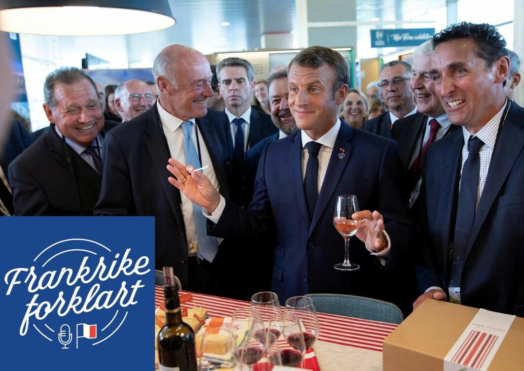 Vin er big business i Frankrike. Her er president Macron på besøk hos vinprodusenter i 2019.