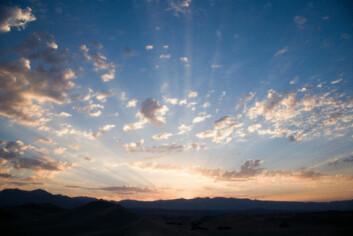 Når sola først åpenbarer seg, om enn i korte stunder, er den positive solopplevelsen langt sterkere i Norden enn i andre land med jevnere tilgang på sol. (Illustrasjonsfoto: www.photos.com)