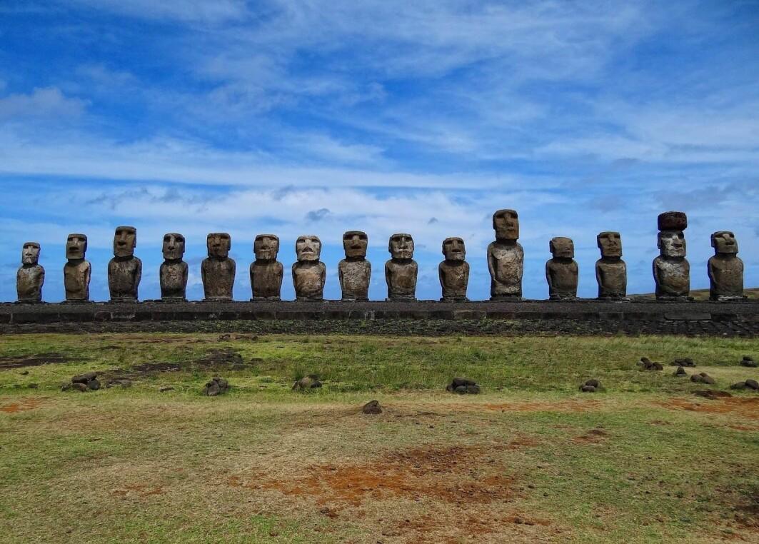 Rapa Nui er ei lita og isolert øy i Stillehavet – og vi som lever på «Planet Earth», kan ta lærdom av øyas historie.